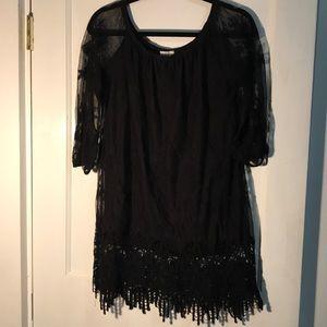 Med. black lace top